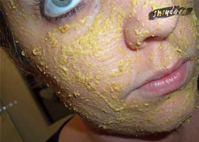 Oatmeal-face-application