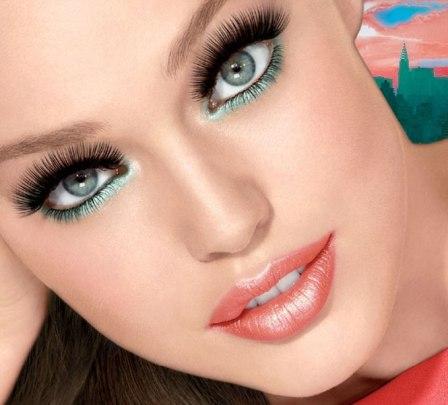 Volum_Express_One_by_One_Washable_Mascara_model (1)
