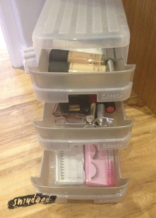 make-up storage 3